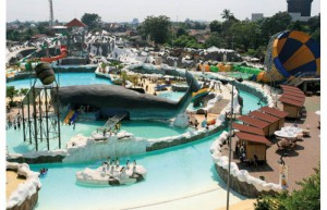 snowbay water park taman mini indonesia indah